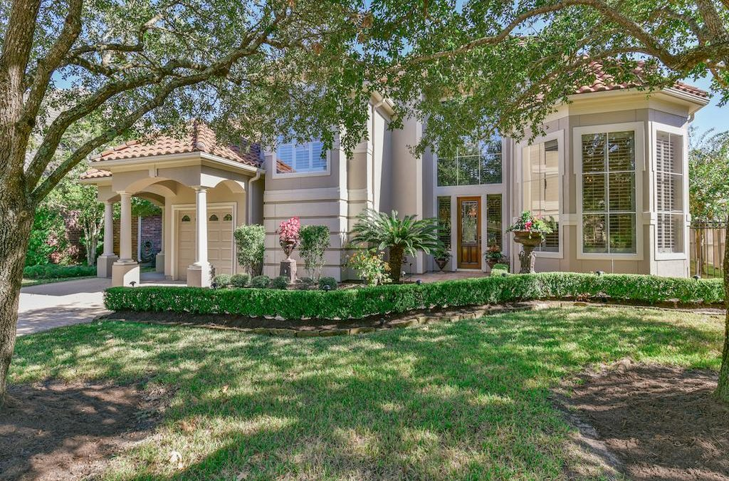 Stunning Mediterranean-style home in Windsor Park Lakes